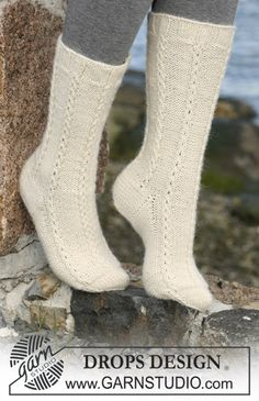 "DROPS socks with cables in 2 threads ""Alpaca"". ~ DROPS Design"