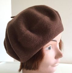 80s Medium brown wool beret unisex hat Medium 10.5 inches Beatnik Look 192794621581