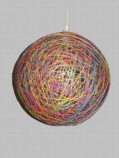 Wool Lamp    Luminária feita em linha. Pode ser feita em diversas cores. Acompanha soquete e lâmpada comum de 60w. R$70,00