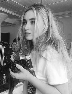 Sabrina Carpenter // Instagram 2017