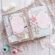 Photo Album Covers, Book Journal, Journals, Diy Crafts For Girls, Baby Album, Mini Scrapbook Albums, Graphic 45, Wedding Album, Book Gifts