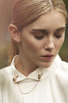 Pym Jewellery S/S The Animal Parade look book. collar tips. Collar Tips, Collar And Cuff, Collar Chain, Fashion Details, Look Fashion, Fashion Beauty, Look Formal, Animal Jewelry, Women Accessories