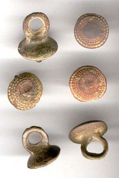 Buttons from the 12th century, www.livinghistory.cz Unfortunately I can not Czech to verify the correctness of the Dating.