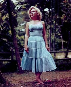 Marilyn Monroe photographed by Sam Shaw, 1957. Description from pinterest.com. I searched for this on bing.com/images