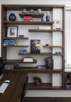 Used Woodworking Tools For Sale Refferal: 1980572024 Woodworking Bench For Sale, Woodworking Furniture Plans, Woodworking Projects, Woodworking Videos, Bookshelves Built In, Bookcase, Corner Shelves, Corner Tv, Display Shelves