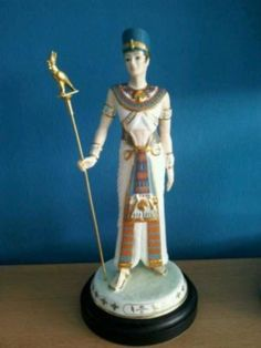 Wedgwood Akhenaten Figurine Legends of the Nile GC (10/14/2011)