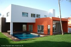 Luxury 5 bedroom villa with pool in Cascais, Estoril Coast, Portugal - Luxury detached villa with a total built area of 625 sq. metres built on a plot with 1.273 sq. metres and located within 1 km of the beach. - http://www.portugalbestproperties.com/component/option,com_iproperty/Itemid,16/id,1111/view,property/