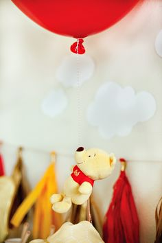 Winnie the Pooh and Red Balloon Decoration Idea