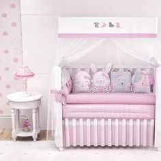 Kit Berço Amiguinhas} Toddler Bed, Baby, Furniture, Home Decor, Grey And White, Big Crowd, Crib Sheets, Baby Bedding, Down Comforter