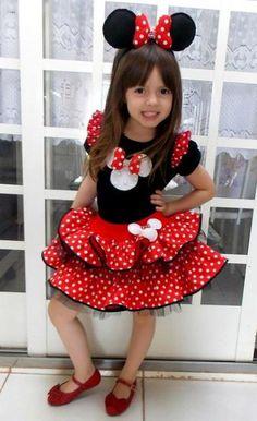 fantasia da Minnie infantil de vestido vermelho e preto Baby Girl Birthday Dress, Birthday Dresses, Baby Girl Dresses, Baby Dress, Disfraz Minnie Mouse, Minnie Mouse Costume, Minnie Mouse Birthday Decorations, Girls Party Decorations, Kids Tutu