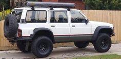 Nissan-Patrol-Ford-Maverick-Flares