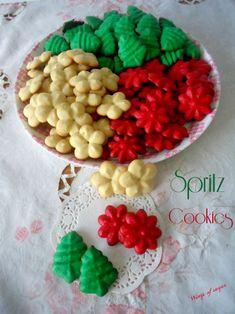 Spritz coockies biscotti natalizi - ricetta semplice da realizzare - biscottini colorati che non possono mancare durante le feste - wings of sugar blog