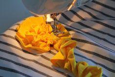 Kärpäsiä keitossa by Mersia: Ruusuke tutoriaali Sewing Hacks, Sewing Tutorials, Sewing Projects, Sewing Tips, Scarf Tutorial, Diy Dress, Diy Clothes, Knitting, Pattern