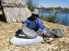 The grinding of corn to make mielie-meal is a very important food preparation technique in South Africa. The traditional way (displayed in the photo) would be to finely grind up corn by hand with two large stones. The alternate, and much more commonly used way is to use a corn mill, which grinds the corn for you! Lake Titicaca Peru, South America Animals, America Memes, Native American Beauty, Pictures Of You, Four Legged, Traveling By Yourself, Grinding, Pets