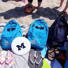 La mochila de este año mola, pero también tenemos nostalgia de la del 2016    En la playa de los Grandes Lagos.  Nuestra #MochilaBS siempre son viajeras (Área de Grandes Lagos 2016)⠀  ⠀  ⠀  #WeLoveBS #inglés #idiomas #EstadosUnidos #EstatsUnits #USA #GreatLakes #GrandesLagos⠀ ⠀  #Jóvenes #adolescentes⠀  #summer #young #teenagers #boys #girls #city #english  #awesome #Verano #friends #group #anglès #cursos #viaje #travel #Love    #Regram via @britishsummeres