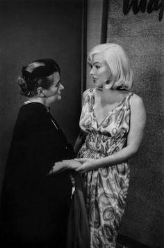 marilyn monroe and paula strasberg