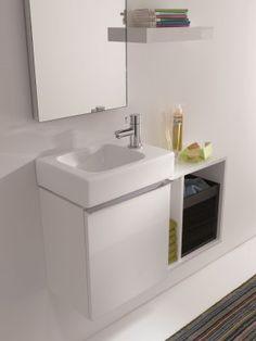 Handig klein badkamermeubel van Sphinx. Met de serie Sphinx 345 xs bewijst Sphinx dat je in een kleine ruimte toch een maximum aan comfort en bewegingsvrijheid kunt bereiken. De wastafels zijn gedurfd asymmetrisch vormgegeven en zijn 53 x 31 cm groot. Ze hebben een royale aflegruimte rechts of links. Ook zijn er ruimtebesparende fonteinen met een breedte van 38 cm verkrijgbaar. Je kunt het sanitair combineren met een ruim assortiment meubels en meubelelementen die verkrijgbaar zijn in de…