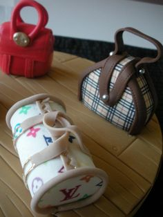 Handbag Cake Toppers - for the girlies, variety of handbags - Louis Vuitton, Burberry, Chanel, Mulberry...  if only we had the real bags to go with the sugar versions!