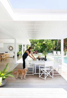 Coastal outdoor dining room and timber deck | Photography: Simon Whitbread | Styling: Vanessa Colyer-Tay