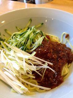 松岡さんが作ってくれた~ - 5件のもぐもぐ - ジャージャー麺 by chiro5650