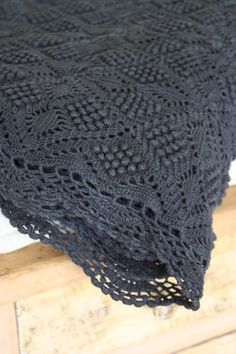 Image of Plaid ancien au crochet.