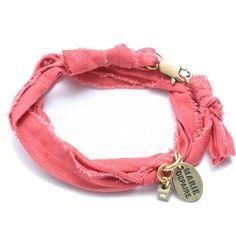 Bracelet vintage corail Marie Depaire, bracelet en tissus fait main en France, à découvrir sur www.lilishopping.com/233-marie-depaire  #mariedepaire #madeinfrance #handmade #madeinparis #vintage #bracelethomme