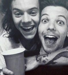 Read chapter twenty from the story To Lou by (snazzyhazzy) with 37 reads. A/N: Chapter is dedicated to GamerGirlStudi. Larry Stylinson, Great Love Stories, Love Story, Louis Tomlinson, Wattpad, One Direction, Marca Gucci, Harry Styles, Yours Sincerely