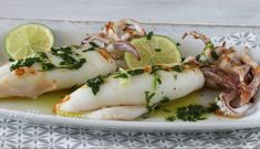 Grilled Calamari, Fish Stew, Shellfish Recipes, Fish And Seafood, Fresh Rolls, Finger Foods, Carne, Sushi, Dinner Recipes