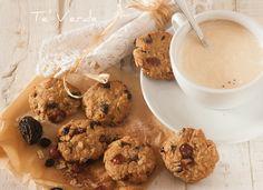 Biscotti Avena Nocciole Uvetta e Mirtilli Rossi - biscotti sani, nutrienti, ricchi di fibre e naturalmente buoni, un sapore rustico ed intenso.