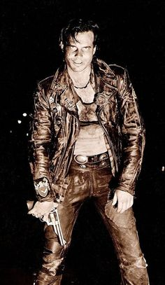 Bill Paxton - Near Dark Near Dark, Val Kilmer, Movie Shots, Famous Monsters, Halloween Cosplay, Popular Culture, Great Movies, Film Movie, Horror Movies