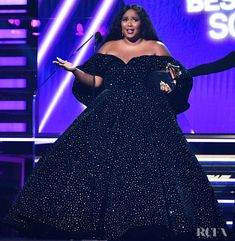 Lizzo In Christian Siriano – 2020 Grammy Awards Looks Plus Size, Look Plus, Christian Siriano, Divas, Christian Clothing, Red Carpet Fashion, Aesthetic Clothes, Plus Size Fashion, Strapless Dress Formal