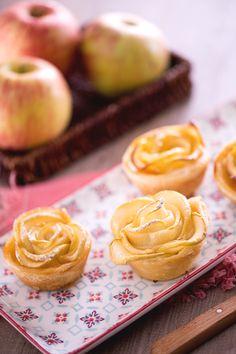 Le #roselline di #sfoglia e #mele sono un #dolce semplice da realizzare…