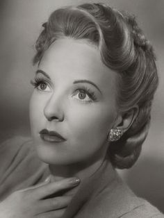 Anna Lee late in her career portrayed the lovely Lila Quartermaine on General Hospital. 1940s Actresses, English Actresses, British Actresses, Actors & Actresses, Hollywood Actresses, Old Hollywood Glamour, Golden Age Of Hollywood, Hollywood Stars, Classic Hollywood