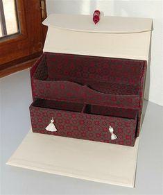Dsc 1743 Avec Images Cartonnage Boite Cartonnage Meuble En Carton