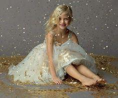 #gold #glitter Its raining glitter.