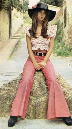 7 Vintage Fashion Trends Making A Comeback In 2015 70s Inspired Fashion, Retro Fashion, Vintage Fashion, Hippie Fashion, 60s And 70s Fashion, Seventies Fashion, Estilo Hippie, Estilo Retro, 70s Outfits
