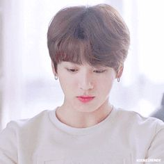 Animated gif shared by World KPOP. Find images and videos about gif, bts and jungkook on We Heart It - the app to get lost in what you love. Jungkook Lindo, Jungkook Smile, Jungkook Cute, Kookie Bts, Jungkook Oppa, Bts Bangtan Boy, Namjoon, Jung Kook, Foto Bts