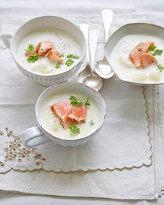 Spargelsuppe mit Lachs http://www.livingathome.de/kochen-feiern/rezepte/11456-rzpt-rezept-spargelsuppe-mit-lachs