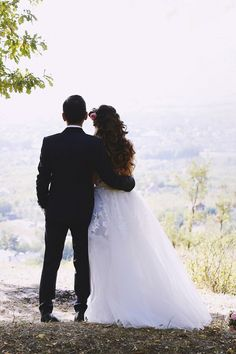 Here, at Rhea Costa we are all about making dreams come true… and what better dream to transform into reality that your own wedding? Make Dreams Come True, Dream Come True, Dream Wedding, In This Moment, Weddings, Wedding Dresses, Blog, Bride Dresses, Bridal Gowns