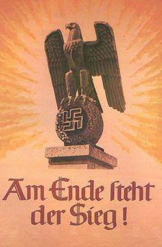 Poser de vitória nazista.