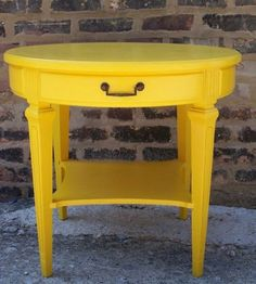 Tavolino tondo giallo - Tavolino da salotto tondo tinto giallo