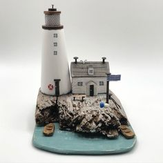 """Shabby Daisies στο Instagram: """"Keepers cottage. #lorainespick#lighthouse#driftwood#handmade#harbour #shabbydaisies #woodart#woodworking#rustic#nautical #woodencottage"""" Wooden Cottage, Daisies, Driftwood, Wood Art, Lighthouse, Nautical, Shabby, Woodworking, Rustic"""