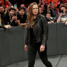 Combat sports icon Ronda Rousey signs her Raw contract to join the red brand, but not before a heated confrontation with The Game and Stephanie McMahon. Ronda Rousey Wwe, Ronda Jean Rousey, Wrestling Superstars, Wrestling Divas, Women's Wrestling, Ronda Rousey Photoshoot, Rounda Rousey, Rowdy Ronda, Gennady Golovkin