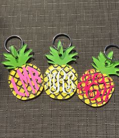 Pineapple monogram keychain by SouthernChicDesigns1 on Etsy