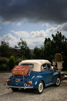 Campervan Weddinghire Offers VW Beetle And Morris Minor Cabriolet Wedding Car Hire In Around The Leicestershire Area
