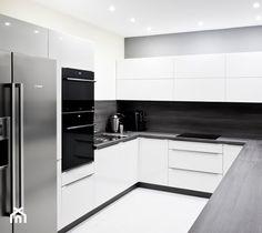 Aranżacje wnętrz - Kuchnia: Kuchnia - Apartament VI - Średnia zamknięta kuchnia, styl nowoczesny - Meble Ideal . Przeglądaj, dodawaj i zapisuj najlepsze zdjęcia, pomysły i inspiracje designerskie. W bazie mamy już prawie milion fotografii!