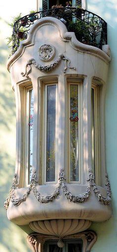 Barcelona - Gran Via 439 b by Arnim Schulz,  Casa Pere Brias  ARCHITECT: Julian Jaime Garcia Nunez