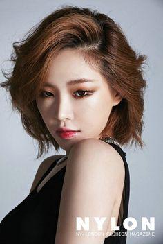 Sao Hàn cắt tóc ngắn