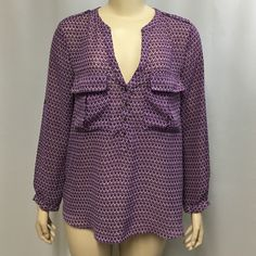 """Gap Purple Top L Women's Geometric Polyester L/S Gap Top in size Large. Bust - 44""""; total length - 26.5"""". Polyester; adjustable sleeves. Gap Tops Blouses"""