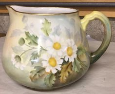 Hand Painted LIMOGES France Pitcher with daisies. Beautiful #Limoges